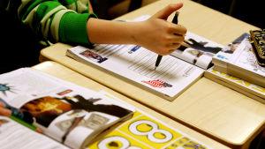 6-10 procent av finländarna har dyslexi.