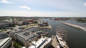 Laivoja Göteborgin satamassa, Ruotsi