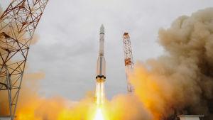 Rymdskeppet på väg till Mars sköts upp från Baikonur i Kazakstan.