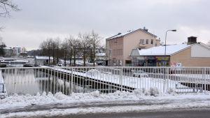 Kyrksundet i Pargas i vinterskrud