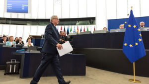 EU-kommissionens ordförande Jean-Claude Juncker på väg till talarstolen i EU-parlamentet i Strasbourg.