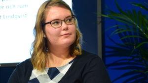 Bokbloggaren Rebecca Mattbäck