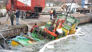 Bogserbåten Lauri har sjunkit vid Pargas gästhamn