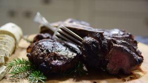 Grillat t-bone steak med svampsmör