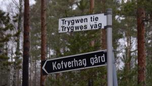 Två väg skyltar