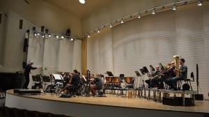 Åbo filharmoniska orkester övar.