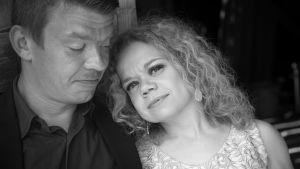 Linda ja Timo muotokuvassa.
