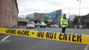 Polisen har spärrat av brottsplatsen i Manchester