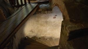vy från trappan upp till vinden i Bassihuset i Åbo