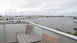 Utsikt från övre delen av Hangö hamnkontor där damerna har sin bastu.
