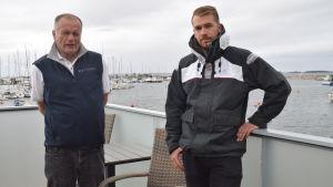 HSF:s kommodor Kalle Niemi och Oscar Cavonius, hamnkapten.