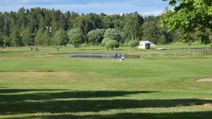 En grön golfbana i Sjundeå som heter Pickala golf.