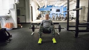 En person som tränar.