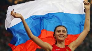 Marija Kutjina firar VM-guld 2015.