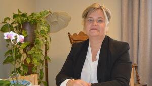 Verksamhetschef Inger Gripenberg vid Hötorgscentret i Jakobstad