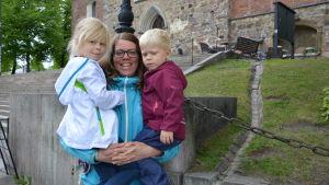 Anna Stenling med barn.