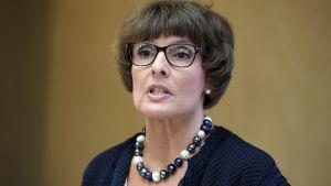 Kommunikationsminister Anne Berner (C) höll presskonferens den 9 augusti 2017.