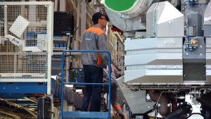 Arbetare i fabriken i Wärtsilä i Vasa