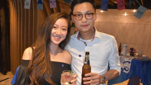 Anita Cheung och hennes pojkvän uppskattar finskt öl och prisbelönt finsk gin & tonic.