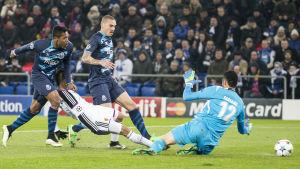 Derlis Gonzalez gör 1-0 till FC Basel.