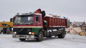 Lastbil med avfall