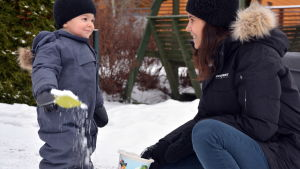 Amanda Eshan med sonen Hugo.