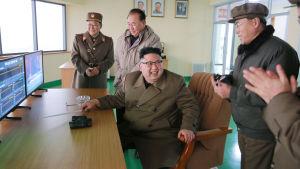 """Kim Jong-Un sade att raketmotortestet var ett historiskt genombrott som kommer att kallas """"revolutionen den 18 mars"""""""