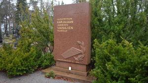 minnesgravsten för Borgås kareler