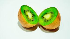 Delad kiwifrukt