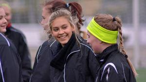 17-åriga Wilma Sjöholm spelar för FC United i Jakobstad.