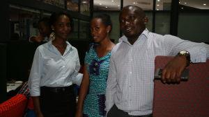 Melissa Jigabha, Sara William Nyello och Benedicto Luvanda arbetar på en nationell hjälptelefon för flickor och kvinnor.