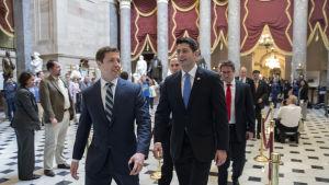 Paul Ryan gläds åt segern i representanthuset.
