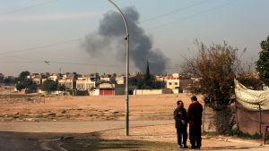 Strider rasar inne i Mosul 27.11.2016.