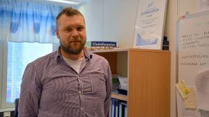 Mikael Åkerblom, kosthållschef på Korsholms kommun.
