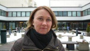 Susann Rabb, projektarbetare på LPA som hjälper bönder i hela Svenskfinland.