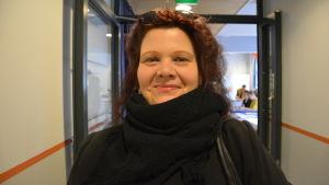 Väljaren Marica Asplund ska rösta i Åbo.