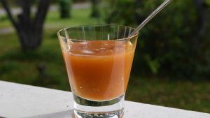 ett glas med honung.