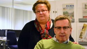 Samlingspartiets Anne-Marie Viinamäki och Christoffer Wiik.
