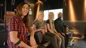 Heidi, Nina, Soffe och Jonne i bandet Vipr Arms.
