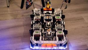 Roboten orkar bogsera 30 kilogram
