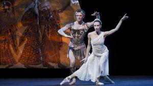 pas des deux i en midsommarnattsdröm som balett på Finlands nationalopera 2015