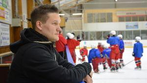 Christoffer Dahla, ParSports tränare, november 2015.