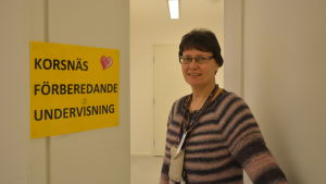 Benita Lidman är en av lärarna på den förberedande undervisningen för asylsökande barn i Korsnäs.