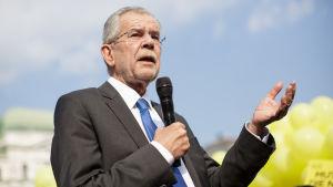 Alexander Van der Bellen, presidentkandidat för gröna partiet i Österrike