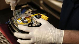 Ny krockkudde på väg att installeras i en personbil som återkallats i USA.
