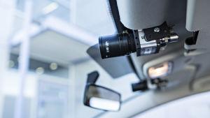 VTT:n robottiauton stereokamera esteiden tunnistamiseen.