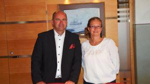 Verkställande direktör Anders Ahlvik och marknadsföringschef Nina Häggroth i Smörmagasinet vid Hangö hamn.