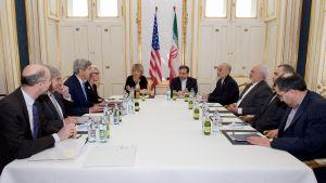 Förhandlingar om Irans kärnvapenprogram i Wien 30 juni 2015.