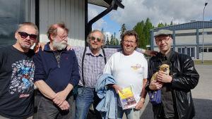 """Rolf Gustafsson, Dag """"Mocke"""" Lindholm, Roger Ek, Nisse Eriksson och Thomas Törnroos ser fram emot att uppträda på brandkårshuset i Borgå."""