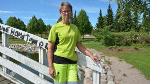 Sonja Österholm säger att det blir dyrt för staden att åtgärda skadegörelsen.